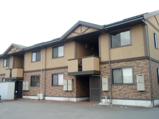 富山県富山市、朝菜町駅徒歩5分の築15年 2階建の賃貸アパート