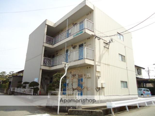 富山県富山市、小泉町駅徒歩7分の築30年 3階建の賃貸アパート
