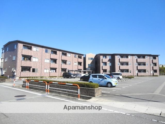 富山県富山市、婦中鵜坂駅徒歩16分の築11年 3階建の賃貸アパート