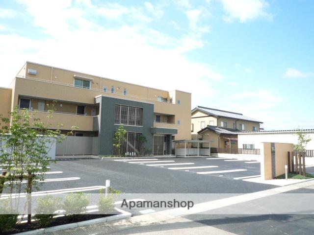 富山県富山市、不二越駅徒歩20分の築5年 3階建の賃貸マンション