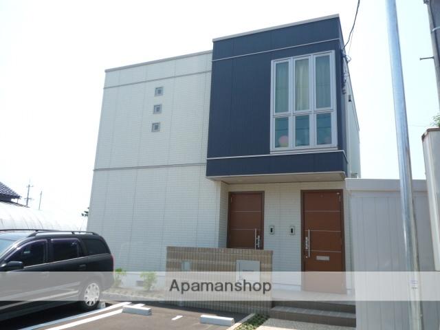 富山県富山市、朝菜町駅徒歩10分の築7年 2階建の賃貸アパート