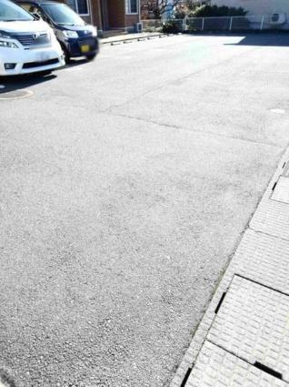 サンライズステージⅠ[2DK/48.7m2]の駐車場