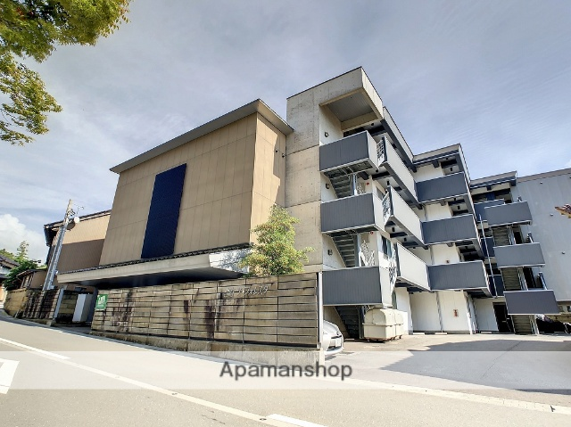 石川県金沢市の築15年 4階建の賃貸マンション