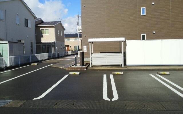 画像17:駐車場
