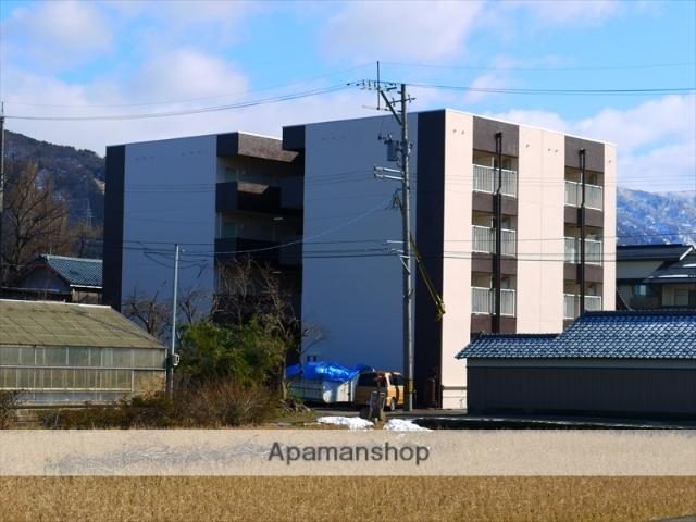 福井県吉田郡永平寺町、松岡駅徒歩30分の築30年 4階建の賃貸マンション