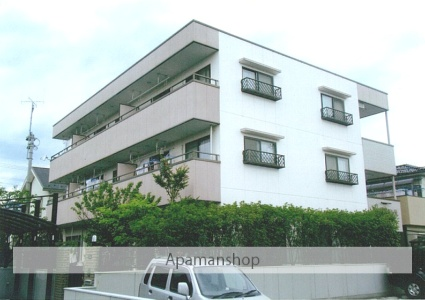 山梨県甲府市の築18年 3階建の賃貸アパート