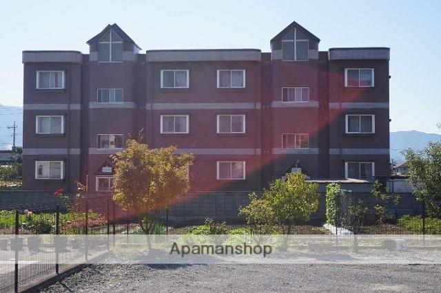 山梨県笛吹市の築22年 3階建の賃貸マンション
