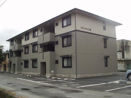 山梨県笛吹市、石和温泉駅徒歩37分の築17年 3階建の賃貸アパート