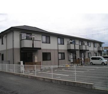 山梨県南アルプス市の築15年 2階建の賃貸アパート