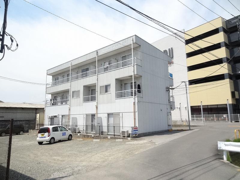 山梨県甲斐市の築24年 3階建の賃貸マンション