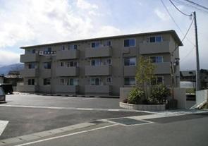 山梨県中巨摩郡昭和町、常永駅徒歩33分の築5年 3階建の賃貸アパート