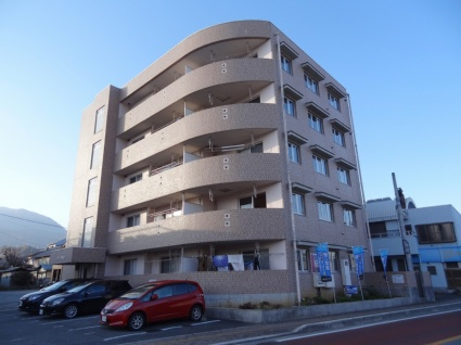 山梨県南アルプス市の築14年 5階建の賃貸マンション