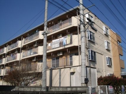 山梨県甲斐市、竜王駅徒歩20分の築27年 4階建の賃貸マンション