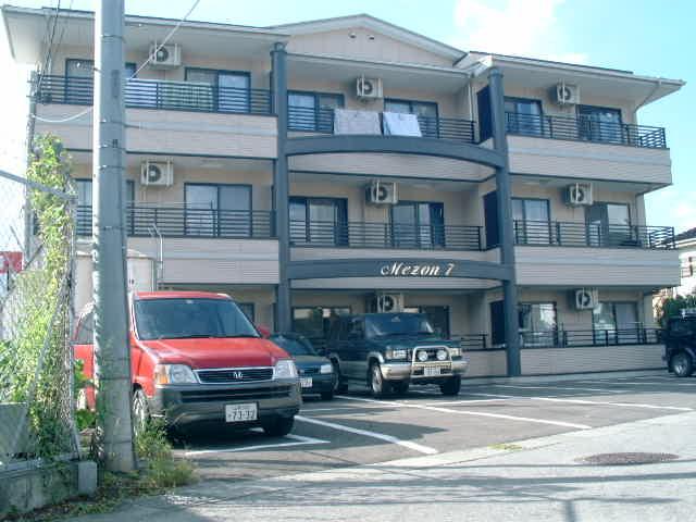 山梨県甲府市、甲府駅徒歩15分の築21年 3階建の賃貸マンション