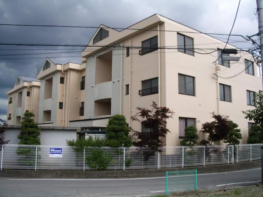 山梨県甲府市、甲府駅徒歩40分の築23年 3階建の賃貸マンション