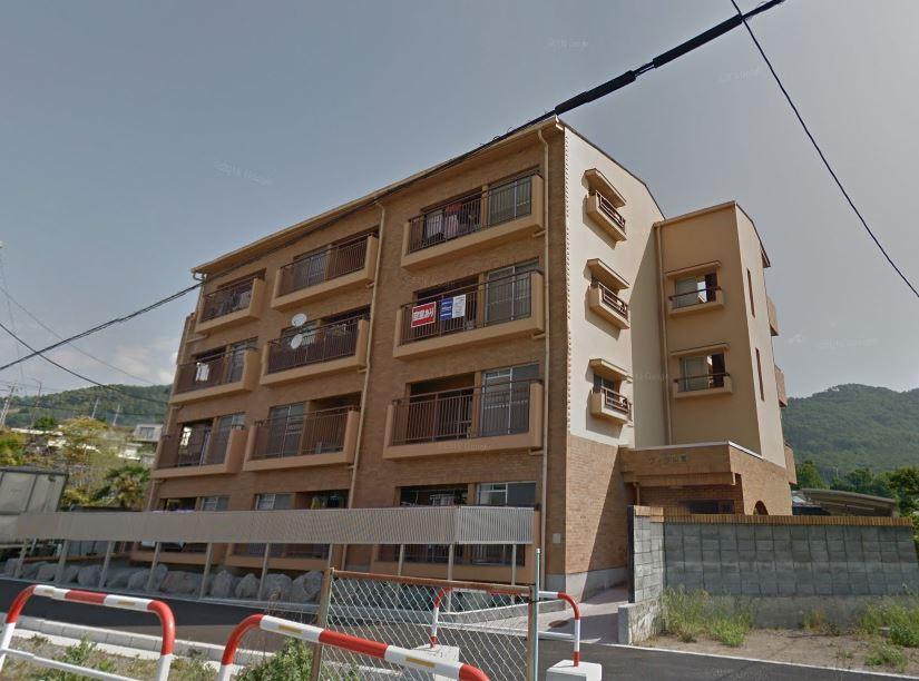 山梨県甲府市、甲府駅徒歩58分の築30年 4階建の賃貸マンション