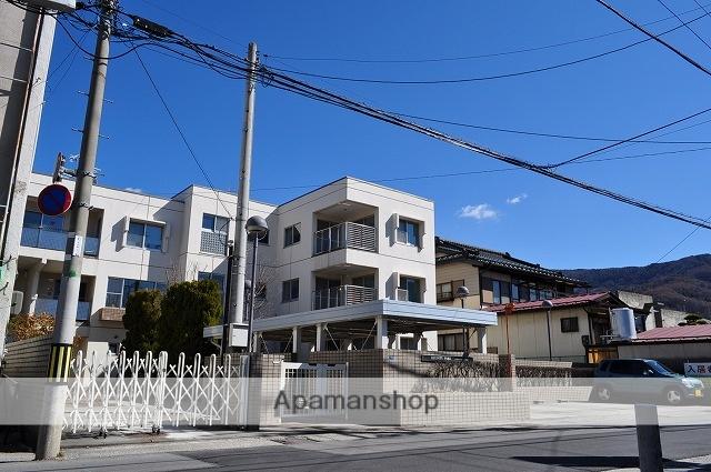 長野県諏訪市、上諏訪駅徒歩14分の築27年 3階建の賃貸マンション