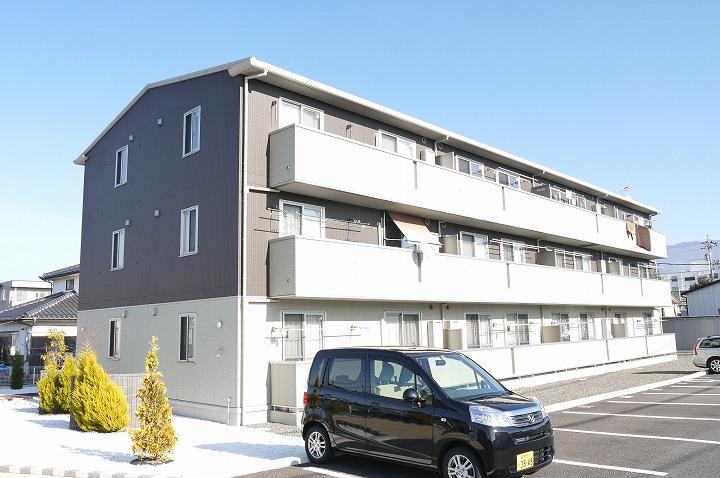 長野県塩尻市、広丘駅徒歩30分の築4年 3階建の賃貸アパート