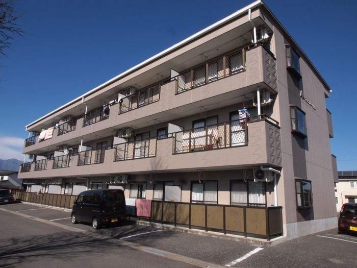 長野県松本市、松本駅バス17分下二子下車後徒歩6分の築22年 3階建の賃貸アパート
