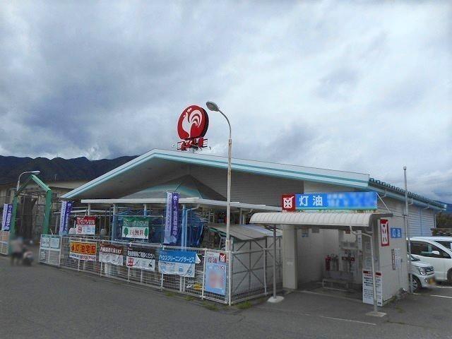 ニューライフランドリー波田駅前 3000m