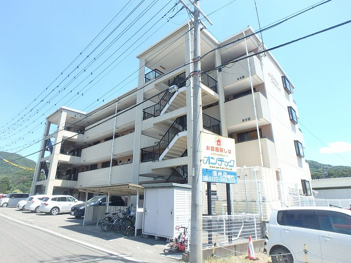 長野県松本市、松本駅バス9分富士電機前下車後徒歩11分の築22年 4階建の賃貸マンション