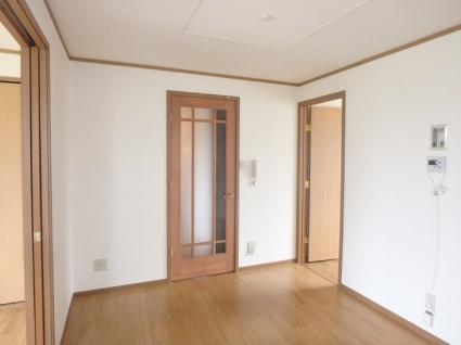 ベルク・ヴィラ A棟[3DK/61.87m2]のリビング・居間