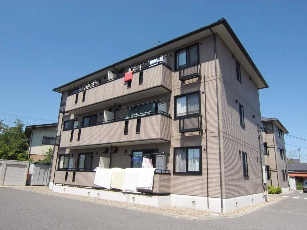 長野県長野市、三才駅徒歩20分の築13年 3階建の賃貸アパート