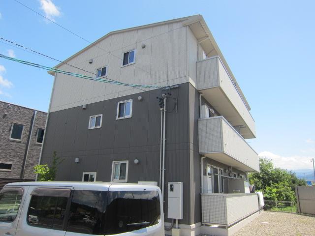 長野県長野市、豊野駅徒歩9分の築6年 3階建の賃貸アパート