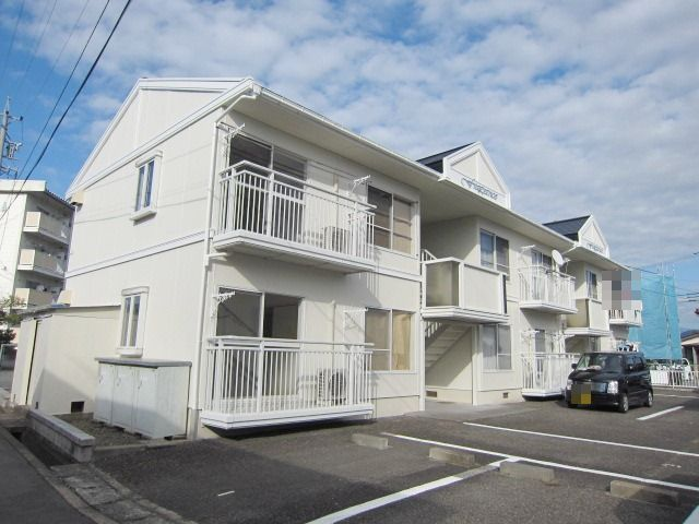 長野県長野市、篠ノ井駅徒歩17分の築26年 2階建の賃貸アパート