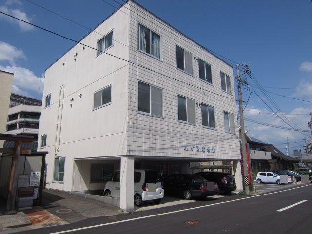 長野県長野市、北長野駅徒歩1分の築30年 3階建の賃貸アパート