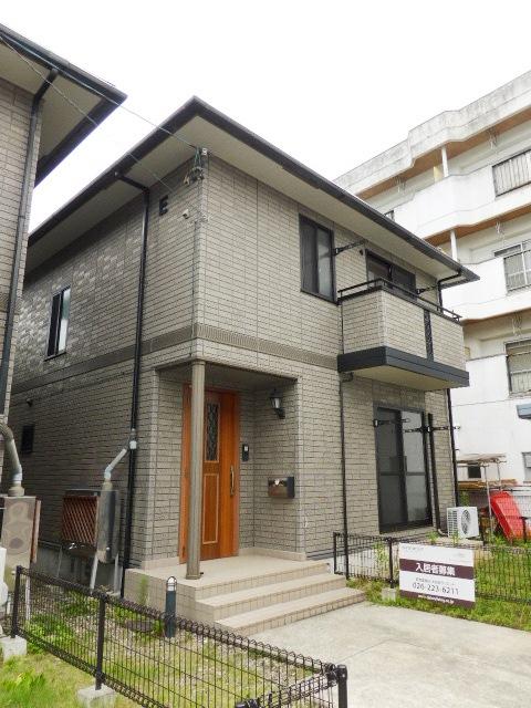 長野県長野市、市役所前駅徒歩28分の築14年 2階建の賃貸一戸建て