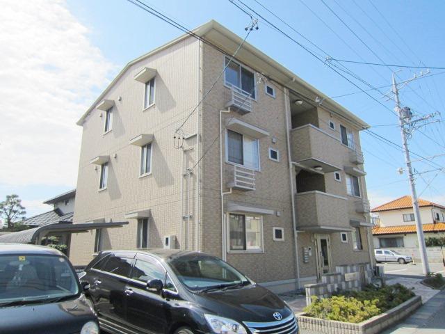 長野県長野市、朝陽駅徒歩16分の築8年 3階建の賃貸アパート