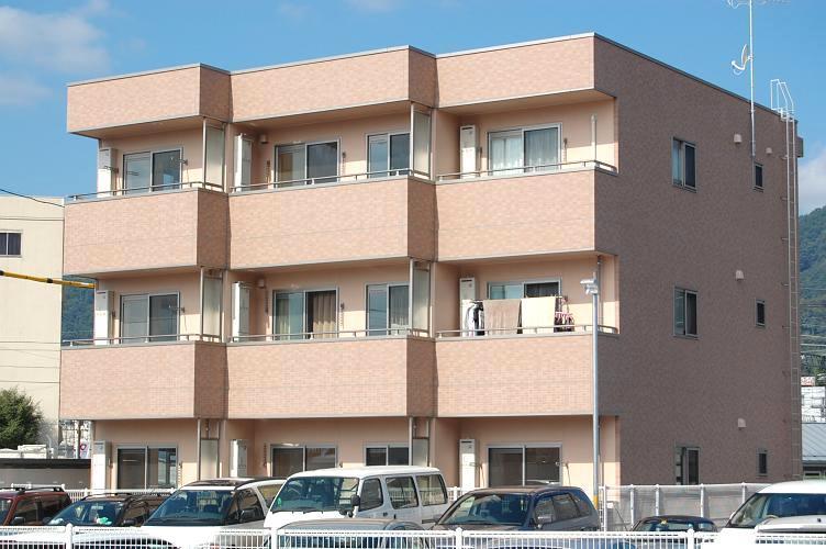 長野県長野市、北長野駅徒歩54分の築6年 3階建の賃貸アパート