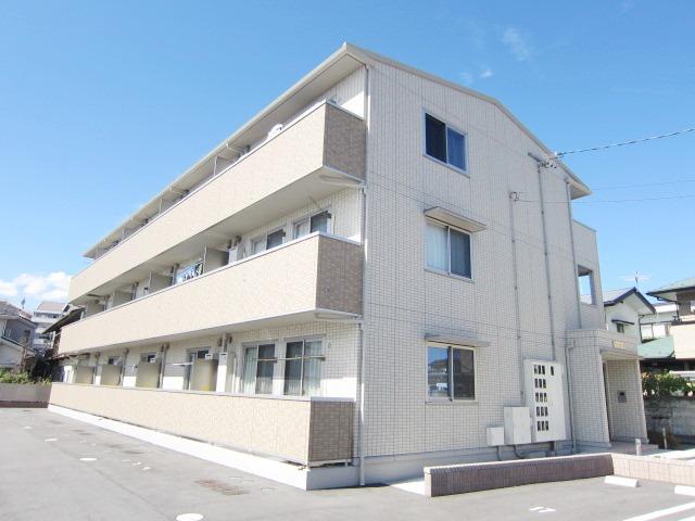 長野県長野市、善光寺下駅徒歩13分の築4年 3階建の賃貸アパート