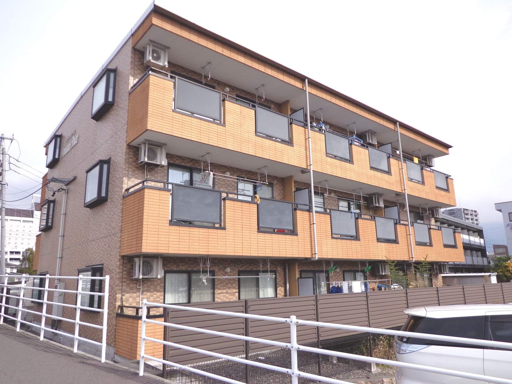長野県松本市、松本駅徒歩11分の築15年 3階建の賃貸マンション