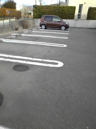 ベルク 八ヶ岳[1LDK/50.07m2]の駐車場