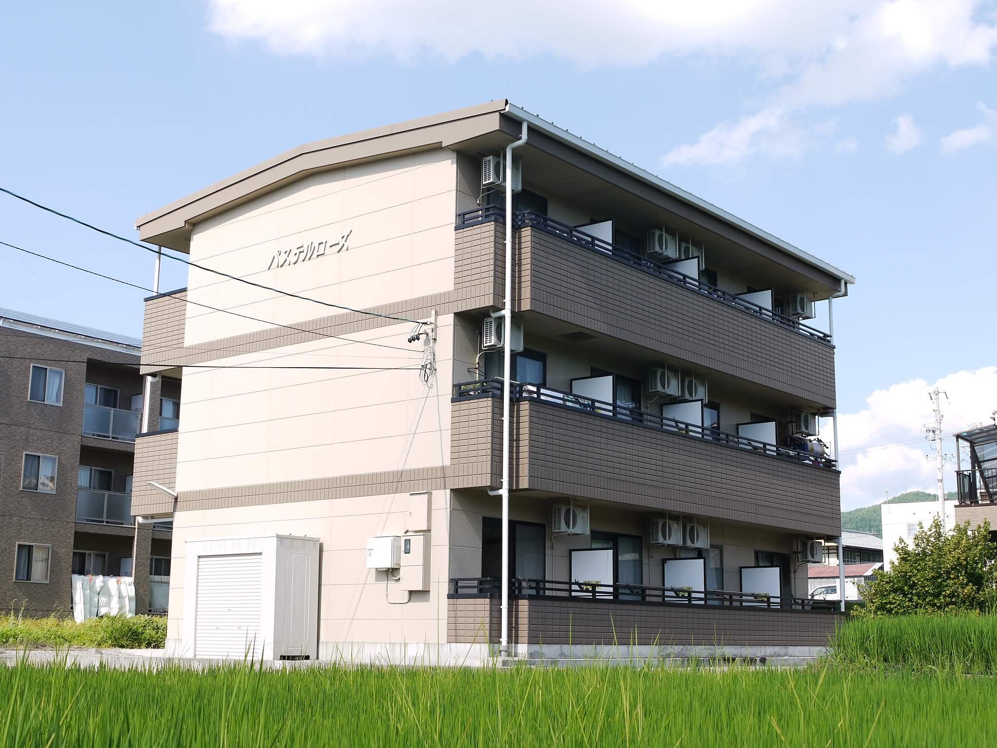 長野県茅野市、茅野駅徒歩55分の築17年 3階建の賃貸アパート