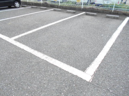 サンシティカーム[3DK/56.28m2]の駐車場
