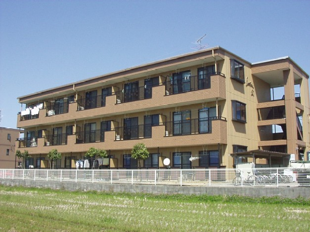 岐阜県羽島市、新羽島駅徒歩12分の築22年 3階建の賃貸アパート