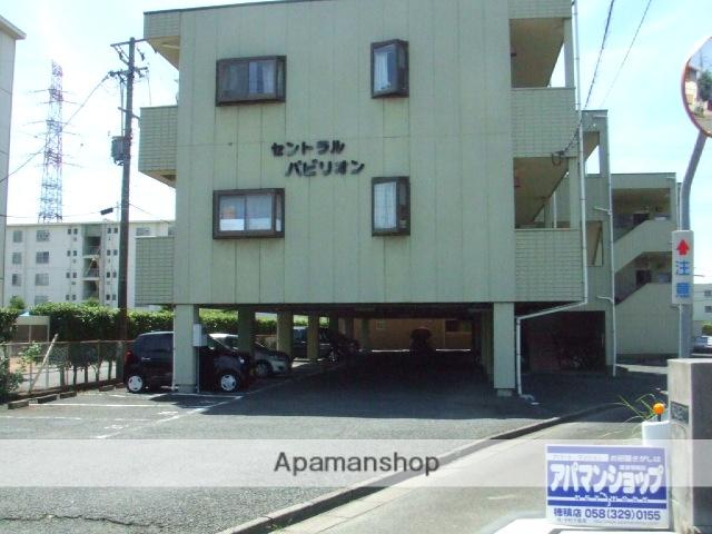 岐阜県本巣郡北方町の築24年 3階建の賃貸アパート