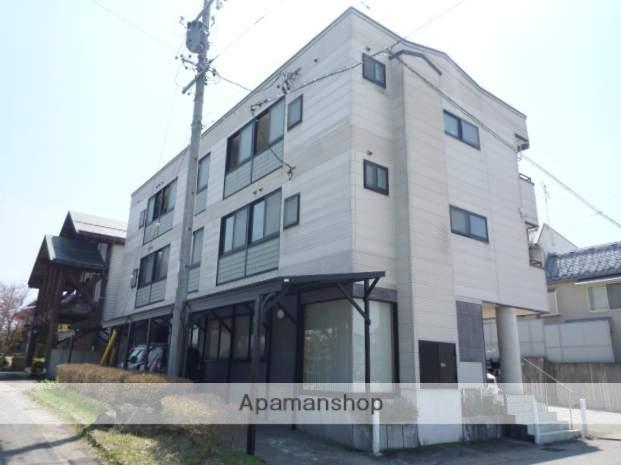 岐阜県高山市、高山駅のらマイカーバス15分中山町下車後徒歩1分の築20年 3階建の賃貸アパート
