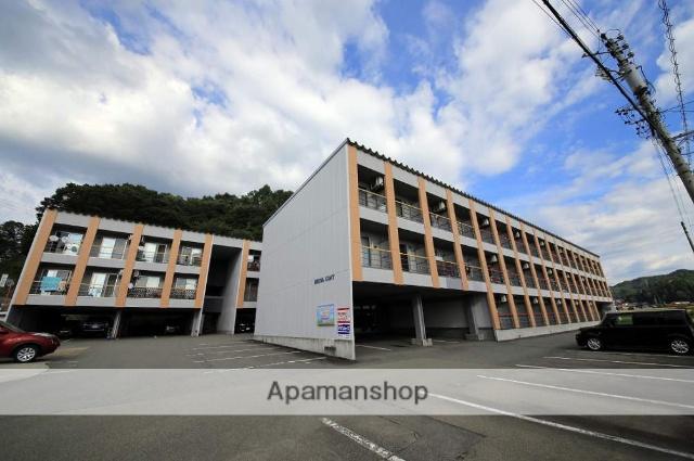 岐阜県高山市、高山駅のらマイカーバス12分学校給食センター前下車後徒歩2分の築13年 3階建の賃貸アパート