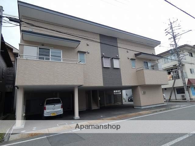 岐阜県高山市、高山駅徒歩12分の築2年 2階建の賃貸アパート