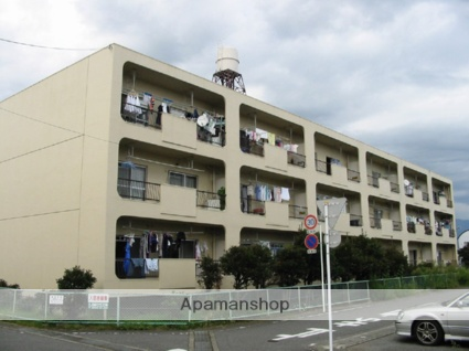 静岡県富士市、新富士駅徒歩15分の築35年 3階建の賃貸マンション