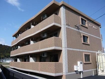 静岡県富士市、沼久保駅山梨交通バスバス15分半在家下車後徒歩1分の築8年 3階建の賃貸マンション