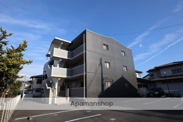 静岡県富士市、新富士駅徒歩17分の築8年 3階建の賃貸マンション