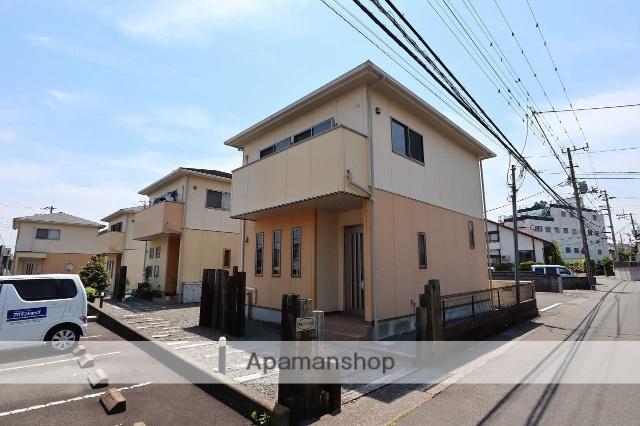 静岡県富士市、富士駅富士急行バス35分石坂下下車後徒歩2分の築10年 2階建の賃貸一戸建て