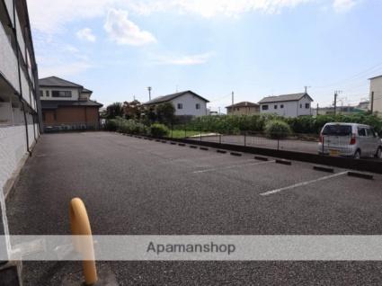 プラナス久沢[1K/26.49m2]の駐車場