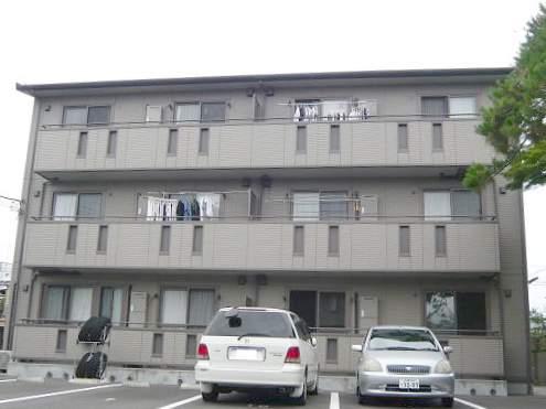 静岡県三島市、三島広小路駅徒歩13分の築10年 3階建の賃貸アパート