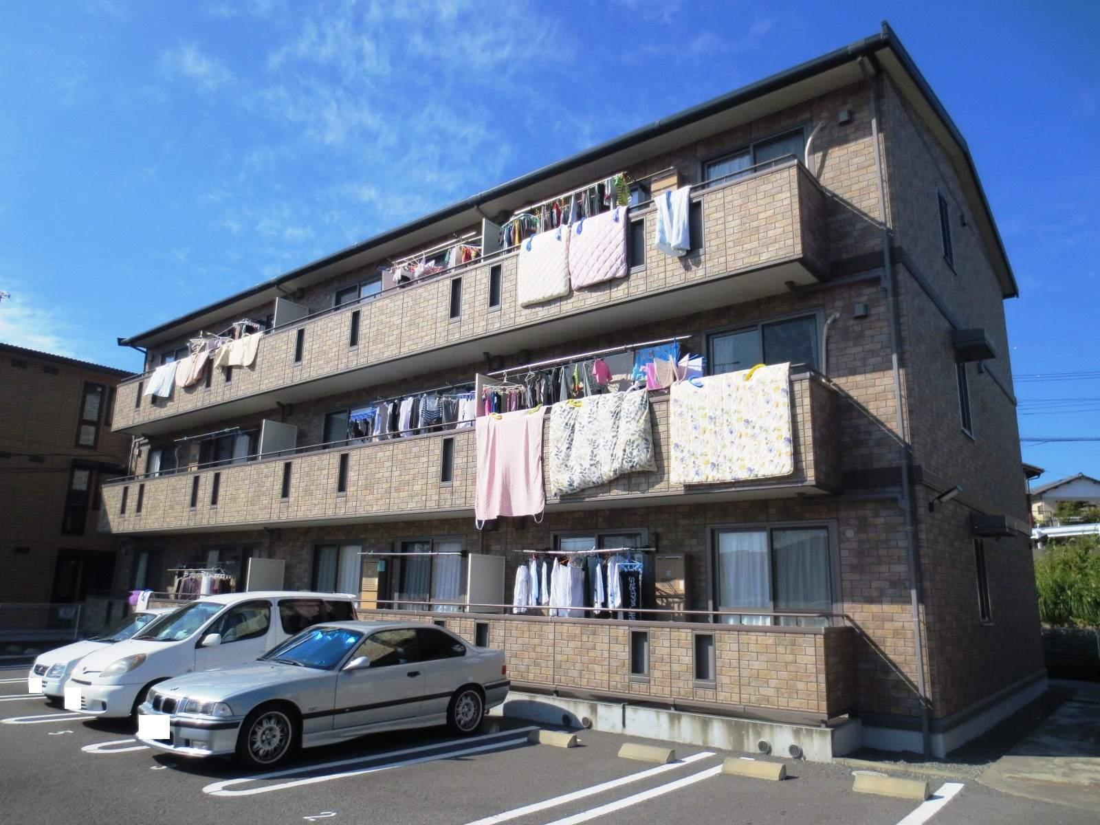 静岡県三島市、三島駅徒歩14分の築11年 3階建の賃貸アパート